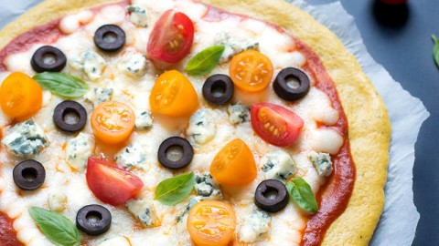 Pizza LCHF/cétogène à la farine de lupin (sans gluten)
