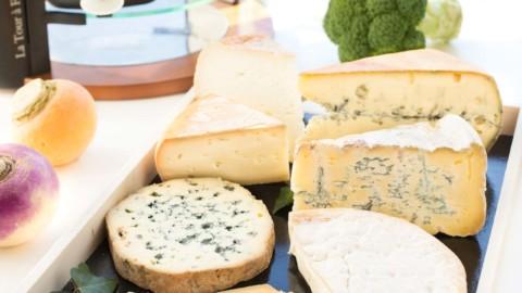Soirée cétogène avec une raclette originale : 12 fromages et des accompagnements qui changent !