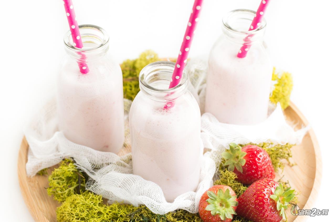 recette cétogène le smoothie collagène fraise coco sans lactose